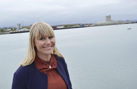 MANGE MULIGHETER: Kjersti Sjursen Lien har jobbet for at folk vil bosette seg  og trives i Vadsø. Hun forteller at her er det mange muligheter, kanskje ikke alle er klar over.