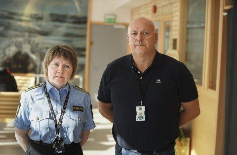 Jobber med dobbeltdrapet i Kirkenes: Politijurist Anja Mikkelsen Indbjør og vikarierende etterforskningsleder Kenneth Nilsen.