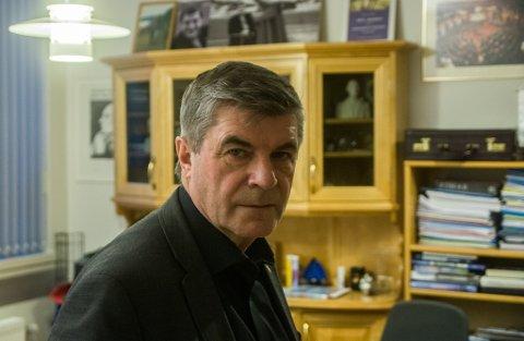 OMBESTEMTE SEG: Alf E. Jakobsen er leder i den felles nominasjonskomiteen for Ap i Troms og Finnmark. Tirsdag sa han ja til å sende ut liste over dem som ønsker gjenvalg, onsdag ombestemte han seg.