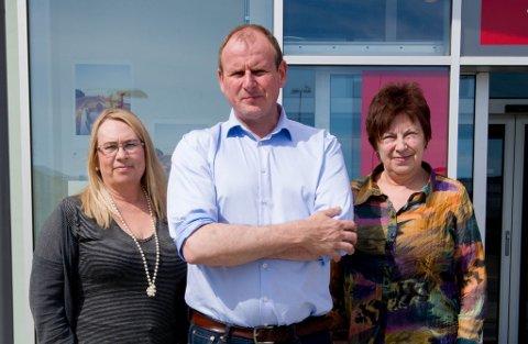 SKEPTISKE: LO-lederne, Marit Nilsen, Bjørn Johansen og Bjørg Tapio mener regionsammenslåingen mellom Troms og Finnmark setter demokratiet på prøve.
