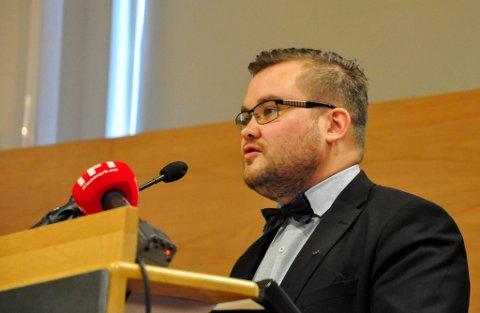 GIR IKKE OPP: Fungerende fylkesordfører Tarjei Jensen Bech. Her fotografert under Finnmark fylkesting 21. juni 2018 i Alta.
