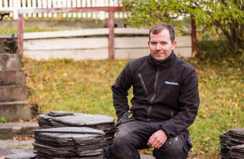 PROSJEKTLEDER: Per Jensen (34) jobber på Rekordbygg  AS i Vadsø, og er prosjektleder for restaureringen av det gamle huset.