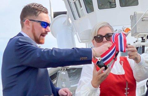 FAMILIEREDERI: Det var Sondre og Hege Monica Kristoffersen som døpte «Jens Kristian». Båten er oppkalt etter Hege Monicas ektemann og Sondres pappa. Det var han som drev  Alta fiskeriselskap før han gikk bort i 2012.