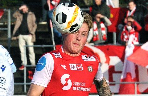 SRTARTER: Vegard Aasen tar plassen til kaptein Bjarne Langeland mot Arendal.