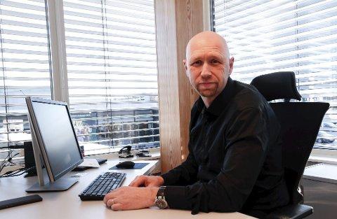 LEGGER FRAM TRANGT BUDSJETT: – Vi har et begrenset økonomisk handlingsrom. Det er behov for kutt i tjenester, og vi må utvikle fremtidsrettede og innovative løsninger, sier rådmann Rune Hallingstad.