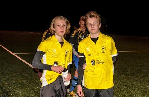 Noah Apelseth, her sammen med Mathias Olsen etter en kamp i fjorårssesongen, scoret to nye mål for Kragerø. 16-åringen har seks A-lagsmål etter halvspilt sesong.