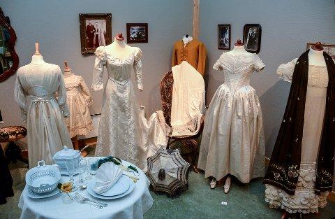 POPULÆR: Utstillingen av brudekjoler har vært svært populær.