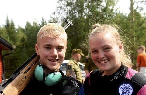 TIL SEMIFINALE: Herman Baklid og Nora Midtgard er to av Jondalens gode ungdomsskyttere. FOTO: OLE JOHN HOSTVEDT