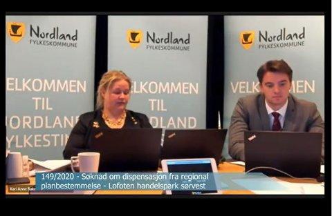 Skjermdump fra Nordland fylkeskommunes nett TV. Fylkesordfører Kari Anne Bøkestad Andreassen (Sp) og fylkesvaraordfører Simon Hagvåg Johnsen (Ap).