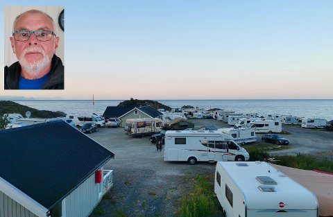 Daglig leder Kjell Ringvej (innfelt) ved Moskenes camping har sett bedre tider for bedriften. Nå håper han på større innrykk i påska og utover våren.