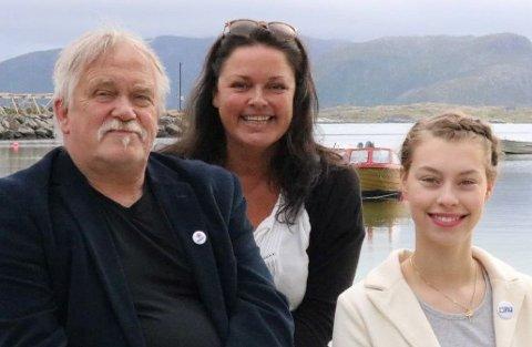 Fra venstre, Rødt Vestvågøy sine tre øverste listekandidater Einar, Linda og Paula