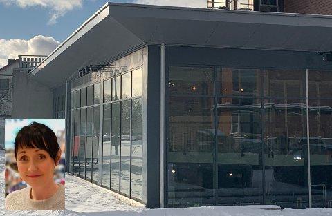 Ann-Helen Bolle (innfelt) driver Skohuset i Skulbrugården på Leknes sammen med søsteren Olaug Bolle. Nå flytter de butikken opp en etasje.