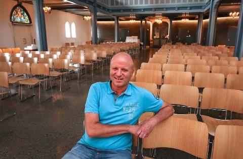 KIRKEROMMET: – Mange av konsertene i høst er lagt til Moss kirke på grunn av den gode akustikken. Her har vi også teknikken på plass, sier daglig leder Tor Sørby i Arena, Moss kirke- og kultursenter.
