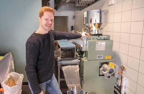 HAR TRUA: Lars-Rickhard Horgmo gleder seg til å kunne bake og selge tortillas i gågata i Moss, men først må han få inn en meksikansk tekniker for å fikse et maskinelt problem.