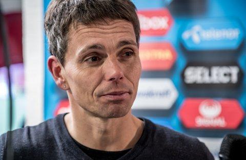 FORSTERKNINGER: Simo Valakari fikk mange svar i dagens treningskamp mot Lillestrøm. Nå leter de etter forsterkninger.