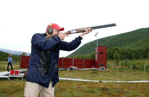 LADER: Pistol-og hagleskytterne kan nå lade våpnene etter at Statsforvalteren har konkludert med at anleggene i Tromsdalen er lovlige.
