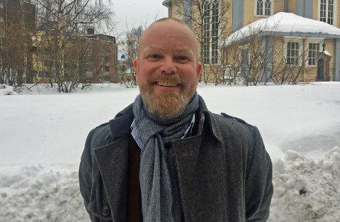 Arbeids- og organisasjonspsykolog Martin Øien Jenssen leder et unikt prosjekt ved Universitetssykehuset i Nord-Norge som skal kartlegge lederes kompetanse om psykisk helse i arbeidslivet.