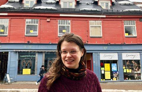 LEIER UT: Styreleder i Hagen Olsen Eiendom, Marit Henriksen, har ledige lokaler i Storgata 57. Men hun ønsker ikke hvilken som helst leietakere inn i nabobygget til der hun selv driver Randis parfymeri.