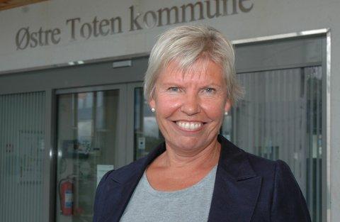 GÅR AV: Aslaug Dæhlen (61) går av som rådmann i Østre Toten.