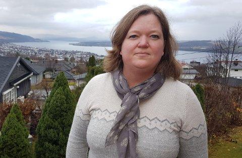 FORSTÅR: Gjøvik er i en vanskelig situasjon, det forstår vi, men vi mener kuttene som er varslet går ut over barnas beste. Grunnskolen er viktig for å hindre frafall i videregående skole senere, sier Hanne Elseth i det kommunale foreldreutvalget i Gjøvik.