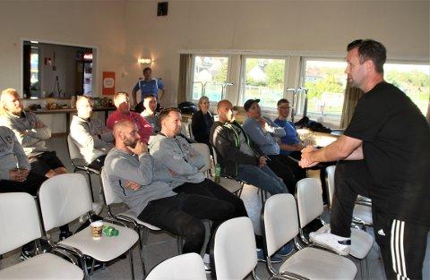 DELTE ERFARINGER: En ærlig Vålerenga-trener, Ronny Deila, delte mange interessante tanker og meninger med trenere i Ski IL Fotball.
