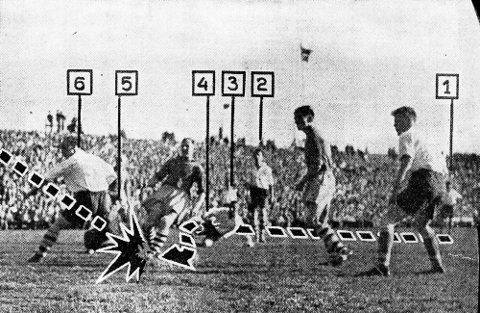VGs fotodokumentasjon på avslutningen av Gunnar Thoresens makeløse soloprestasjon i seriefinalen mot Fredrikstad på Ullevål i 1955.  Med sine tall fra 1 til 6 forteller VG også hvilke FFK-spillere som ble rundlurt under Thoresens stormløp mot mål, nemlig Henry Johannessen (1) Willy Olsen (3), Erik Holmberg (2),  Reidar Kristiansen (4), Aage Spydevold (5) og Leif Pedersen (6), alle sammen meritterte landslagsspillere.