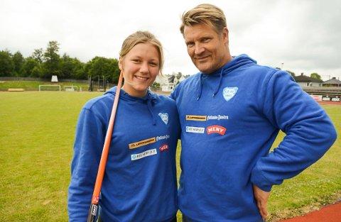SLUTTER: Kaja Mørch Pettersen og Dag Inge Hansen har jobbet sammen siden Kaja startet med spydkast. Nå slutter treneren i Larvik Turn.