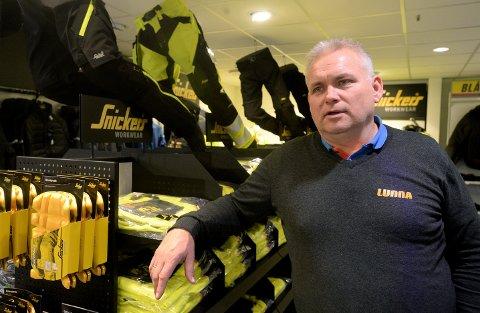NYÅPNET: Firmaet Lunna AS åpnet tirsdag sin nye butikk på Grindalsmoen i Elverum. Daglig leder i Lunna AS, Morten Lunna, forteller at det har vært etterspørsel etter en Lunna-butikk i Elverum.