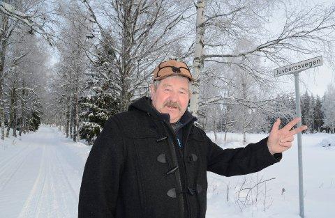 I REVIRET: Finn Erik Vermundsberget er ikke akkurat begeistret over det faktum at det er blitt en nyetablering av ulvefamilie i Juvberget på Åsnes Finnskog.