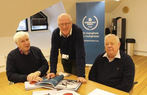 Lokalhistoriker Johnny Sørensen, havnedirektør Finn Flogstad og pensjonert havnekaptein Asbjørn Høie har skrevet bok om havnas historie i Grenland. Det er blitt ei praktbok med mange historier og noen røverhistorier, sier forfatterne.