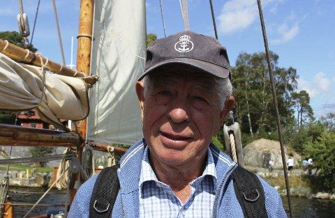 BÅTMODELL: Thor Hansen i Porsgrunn lager båtmodeller.