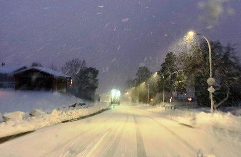 Slik så det ut i Deichmansgate da vinteren stakk innom sist gang i mars måned. I morgen kommer snøen igjen.}