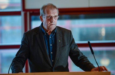 Johan Petter Røssvoll mener det er naivt av Rana Høyre å tro at Helfokontoret i Rana blir værende.