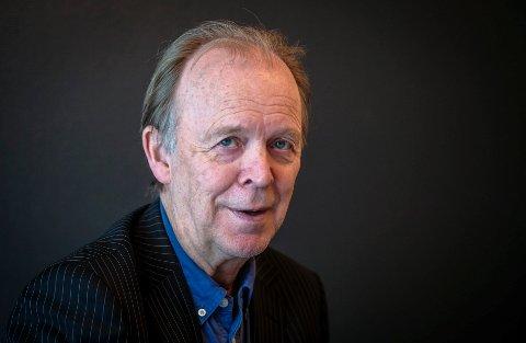 Leif Larssen stiller for første gang ut sine malerier på Meyergården 5. november.
