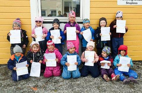 Rabben barnehage delte ut regning på miljøavgift 1. april. I løpet av en times tid hadde de delt ut 80 regninger på Nesna.