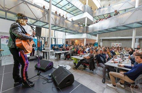 Det er fremdeles ledige studieplasser på Nesna og i Mo i Rana. Her på Campus Helgeland under Gründeruka 2018. Foto: Øyvind Bratt
