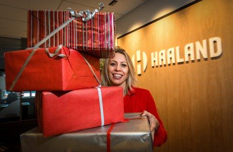 I år gir Haaland bort julegaver med betydning.