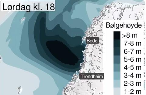 Høye bølger: Varselet for lørdag kveld indikerer at det kan være lurt å holde seg unna sjøen. Skjermdump: Meteorologene/Twitter