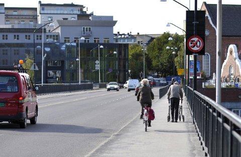 I KVUen slås det ettertrykkelig fast at det i dag ikke er tilfredsstillende forhold for syklister gjennom sentrum, skriver Inger Kammerud og Lise Bye Jøntvedt.