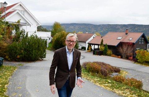 DRIVES OPP: - Mange vil bo i Hole, og det driver boligprisene opp, påpeker rådmann Torger Ødegaard.