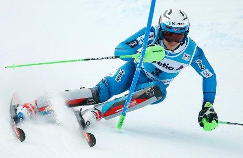 Alpine Skiing - FIS Alpine Skiing World Cup - Men's Special Slalom - Adelboden, Switzerland - 08/01/17 - Henrik Kristoffersen of Norway in action. REUTERS/Ruben Sprich
