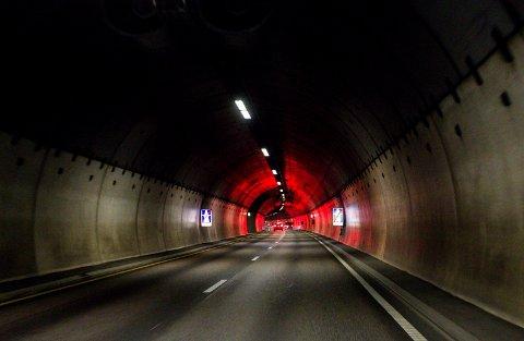STENGES: Fra og med mandag vil Rælingstunnelen være stengt på nattestid.