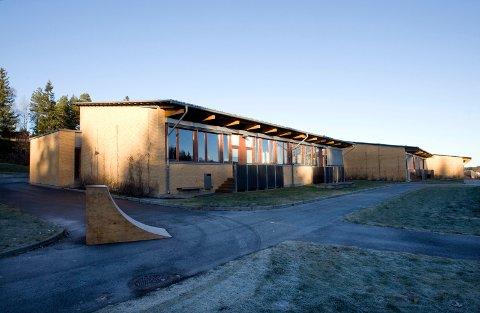 SMITTETILFELLE: Onsdag er det påvist koronasmitte ved Løkenåsen skole i Lørenskog.