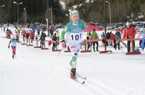 I farta: Mathilde Bjørnstad fra Stokke i fint driv ut fra start i Svarstadrennet.