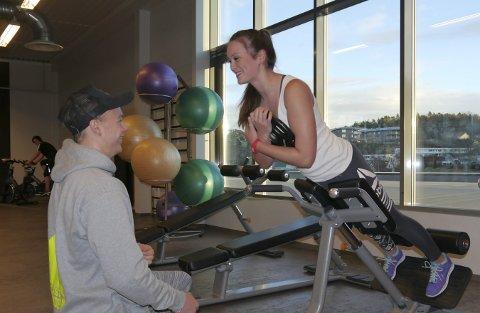 Maria Syrrist og Alexander Hasås trener stort sett hver dag, og kjæresteparet trener stort sett sammen. Det mener de gir ekstra motivasjon.