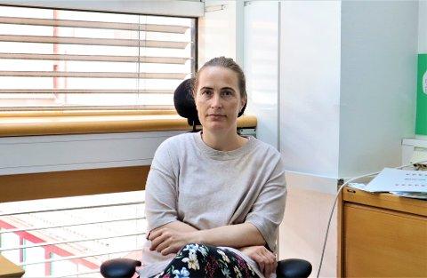 HELSESYKEPLEIER: Anne Lene Ektvedt har lang erfaring innen migrasjonshelse. Hun synes det er grusomt å tenke på at historien til Saba og hennes familie ikke er unik. FOTO: Emilie Moan