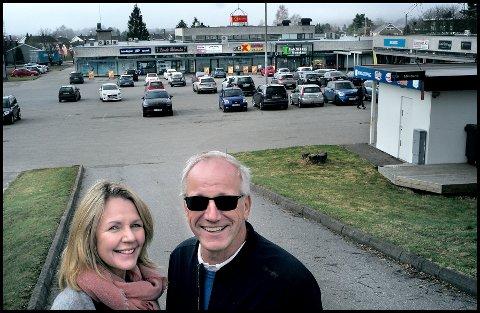 SNART BYGGESTART: Hilde og Bernt Sørlie ser fram til å komme i gang med ombyggingen av Lande Senter.