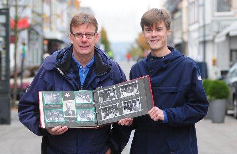 "BILDEBOK: Svein Erik Eide Hansen og sønnen Sveinung Eide Hansen har jobbet et drøyt år med IL Spartas nye bok ""Spartas trygge grunn""."