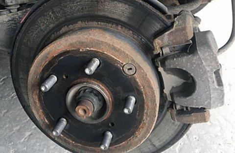 Bremsene er noe av det som sjekkes på EU-kontrollen. Feil her er en gjenganger.