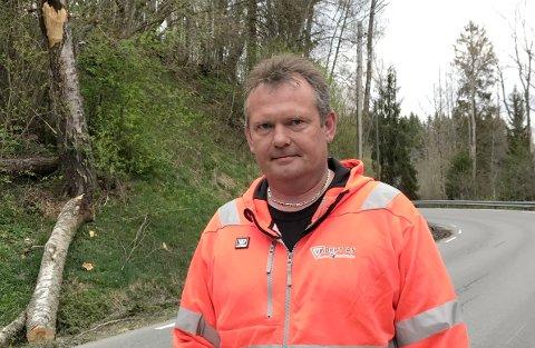 Veien var åpnet etter å ha vært stengt cirka en time, opplyser Pål Kopperud i Veidrift.
